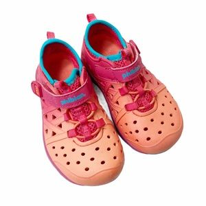 Stride Rite ombré Phibian water shoes
